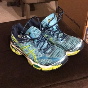 ASICS size 7.5 women's running shoes pre owned